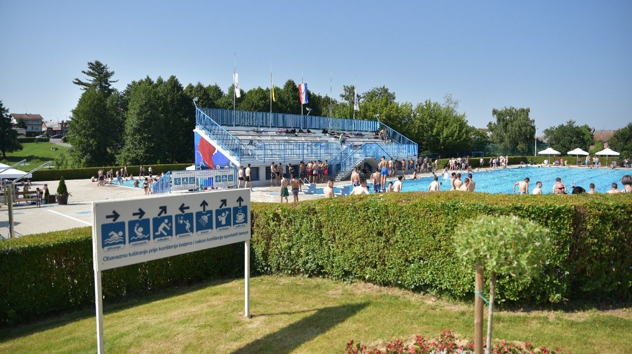OTVORENA kupališna sezona na bjelovarskom Gradskom bazenu - cijene ulaznica pristupačne
