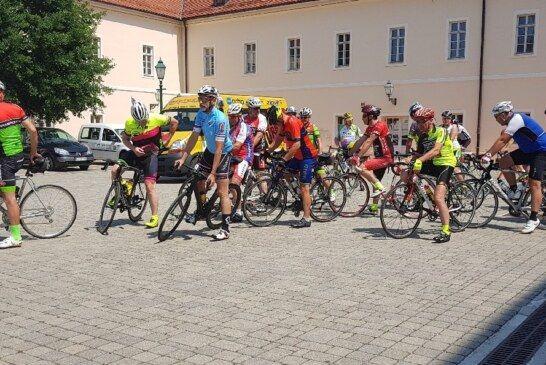 """FOTO Karavana biciklista """"Put prijateljstva Vukovar – Ljubljana"""" sedamnaestu godinu u Bjelovaru"""
