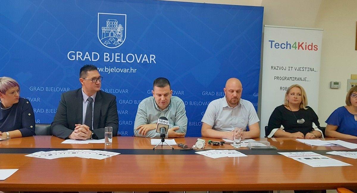 Otvorene prijave za BESPLATNE IT RADIONICE za djecu u Pučkom otvorenom učilištu Bjelovar