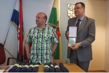 Na svečanoj sjednici Udruge slijepih Bjelovar župan Damir Bajs i zamjenik župana Neven Alić proglašeni počasnim članovima