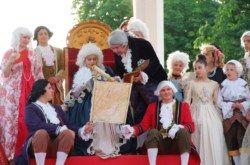 FOTO Carica se vratila u Bjelovar: Glamurozna svita dopratila imperatoricu Mariju Tereziju