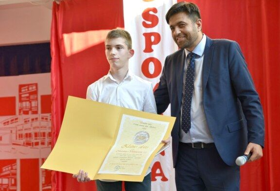 """IV. osnovna škola Bjelovar proslavila 45. rođendan monografijom """"Zrnca uspomena"""""""