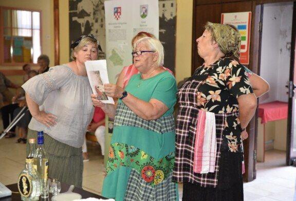 """Predstava Udruge žena Gudovac """"Majka ženi sina"""" u Domu za starije i nemoćne osobe Bjelovar"""