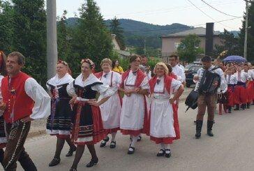 Češka obec Bjelovar nastupila na Festivalu folklora i sevdaha u Lukavici u Bosni i Hercegovini