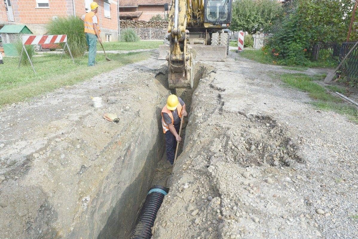 Počeli radovi na izgradnji kolektora odvodnje u Trojstvenom Markovcu: Od četiri etape, u tijeku je prva