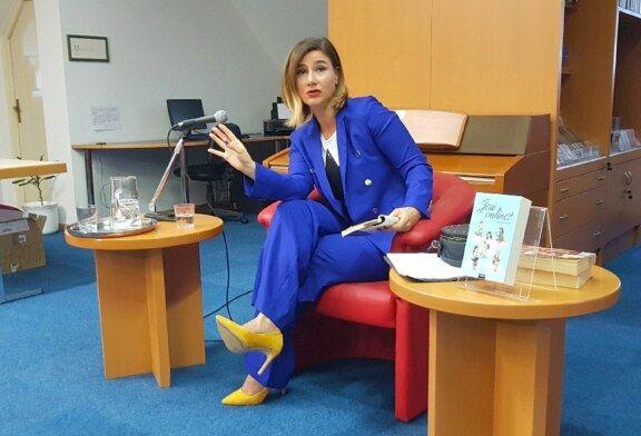 Bjelovarsko kulturno ljeto: Imitatorica Marijana Perinić oduševila bjelovarsku publiku