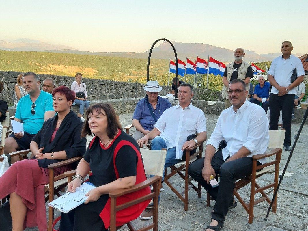 Knin: Književna večer domoljubnih pjesama Stijeg slobode -Stina pradidova