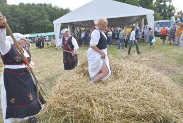 (FOTO) Manfestacija 'Ploščićko mašinanje' okupila veliki broj posjetitelja