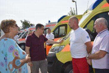 Župan Bajs uručio ključeve za šest novih vozila Domu zdravlja i Zavodu za hitnu medicinu vrijednih preko 2 milijuna kuna