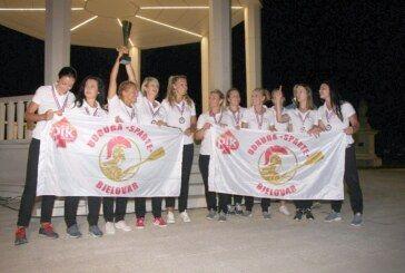 (FOTO) Bjelovarske lađarice stigle doma: Bjelovarčani dočekali svoje pobjednice
