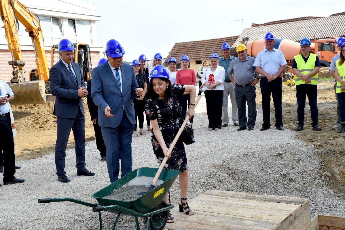 Veliko Trojstvo: Kreće projekt dogradnje Osnovne škole i gradnje Dječjeg vrtića vrijedan 14 milijuna kuna