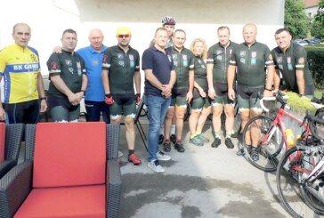 """Bjelovarski biciklisti krenuli na tradicionalni maraton """"Zajedno putevima istine"""""""