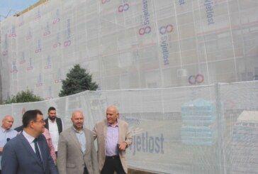 (FOTO) U PUNOM JEKU RADOVI na energetskoj obnovi zgrade Opće bolnice Bjelovar i stomatologije