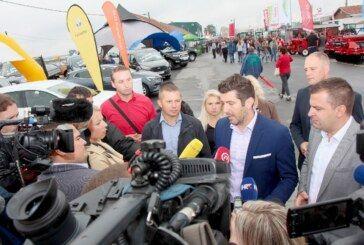 Predsjednički kandidat Dejan Kovač s gradonačelnikom Hrebakom na sajmu u Gudovcu: Sve o kandidaturi te javnoj objavi svojih troškova
