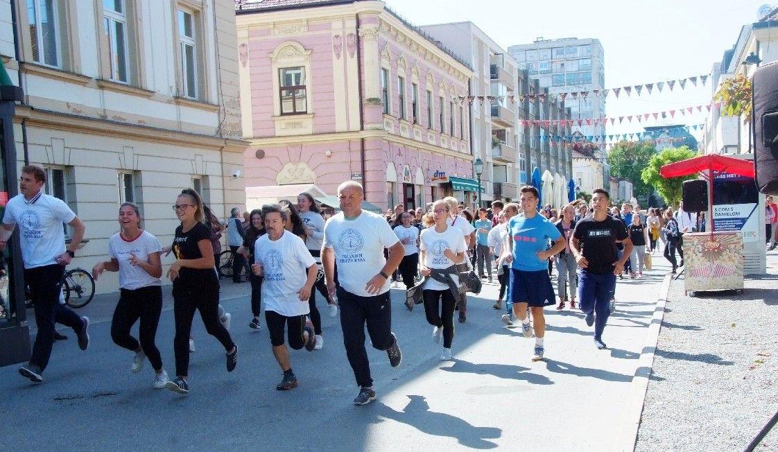 (FOTO) Održana tradicionalna humanitarna utrka 'Trčanjem protiv raka'