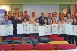 (FOTO) Porast broja OBRTNIKA u županiji: Danas uručene 32 majstorske diplome