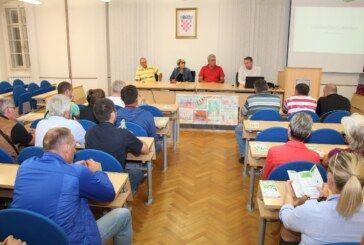 Grad Bjelovar: Razgovor s poljoprivrednicima o suradnji i PROBLEMIMA NA TRŽNICI S PODRAVSKIM PREPRODAVAČIMA