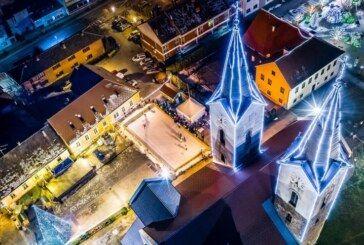 Velike pripreme za Advent u Čazmi: VEĆE KLIZALIŠTE i novitet ovogodišnjeg Adventa – Moslavačka kuća
