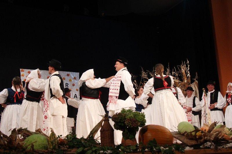 2019-10-vecer-folklora-43
