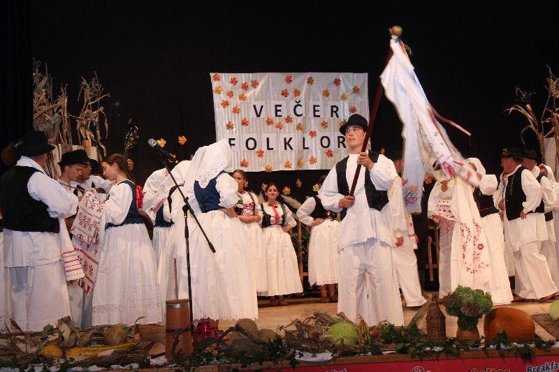 2019-10-vecer-folklora-44