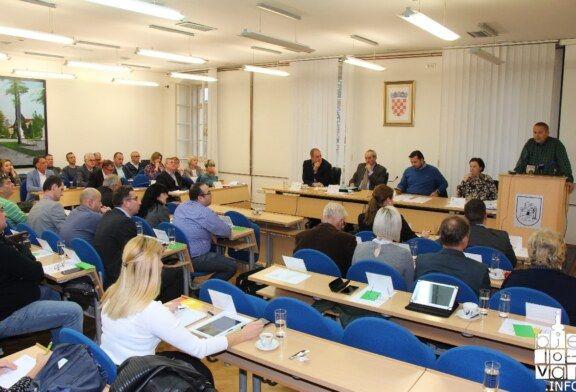 AKTUALNI SAT  Gradskog vijeća: Pitanja i odgovori o izgradnji stanova, uređenju zemljišta oko zgrada, situaciji Bjelovarskog vrta, izgradnji nogometnog stadiona i zatvorenog bazena
