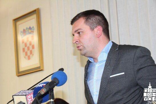 NOVO E-student: Jednoglasno prihvaćene izmjene pravilnika Grada Bjelovara o stipendiranju studenata