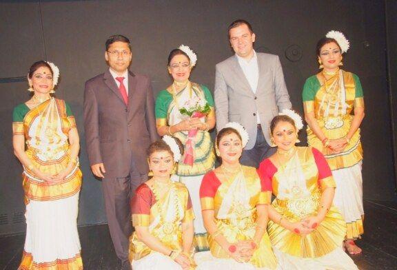 (FOTO) Festival Indije u Bjelovaru: Bjelovarska publika uživala u atraktivnom nastupu indijskih plesačica u Bjelovarskom kazalištu