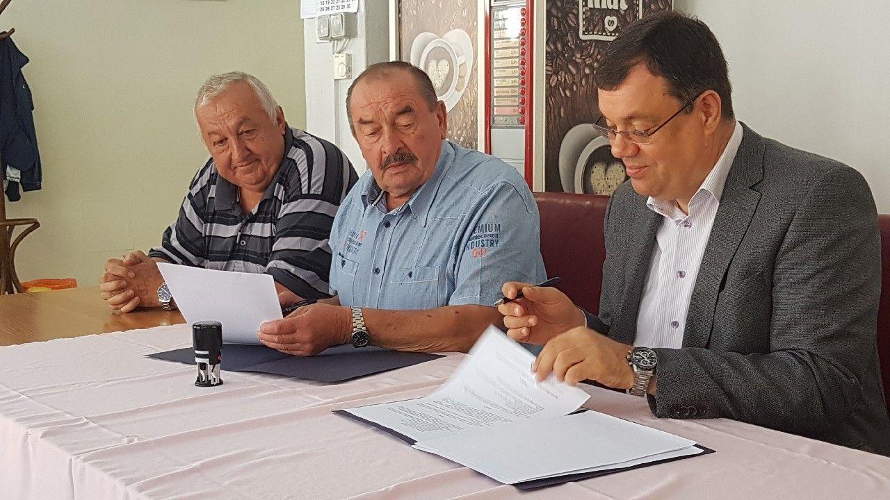 Međunarodni Dan starijih osoba: Župan Bajs potpisao ugovor o financijskoj potpori umirovljenka