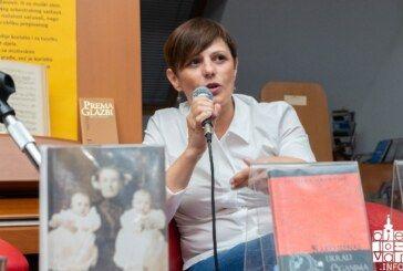 "Bjelovarska knjižnica: Julijana Adamović predstavila novi roman ""Divlje guske"""
