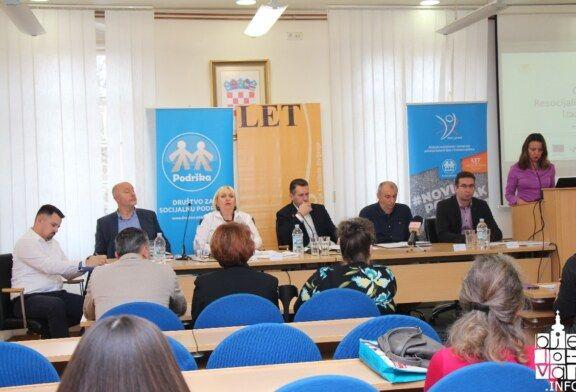 """U Bjelovaru održan okrugli stol """"Resocijalizacija i reintegracija bivših zatvorenika"""""""