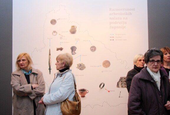 """(FOTO) U Gradskom muzeju Bjelovar otvorena izložba """"Arheološka kronika – što je bilo prije osnutka Bjelovara"""""""
