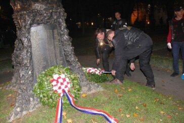 (FOTO) Karavana motociklista preko Prevlake do Vukovara u Bjelovaru: Odali počast poginulim bjelovarskim braniteljima