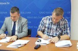 Grad Bjelovar radi punom parom: Kreće obnova doma u ZVIJERCIMA, potpisan ugovor s izvođačem radova