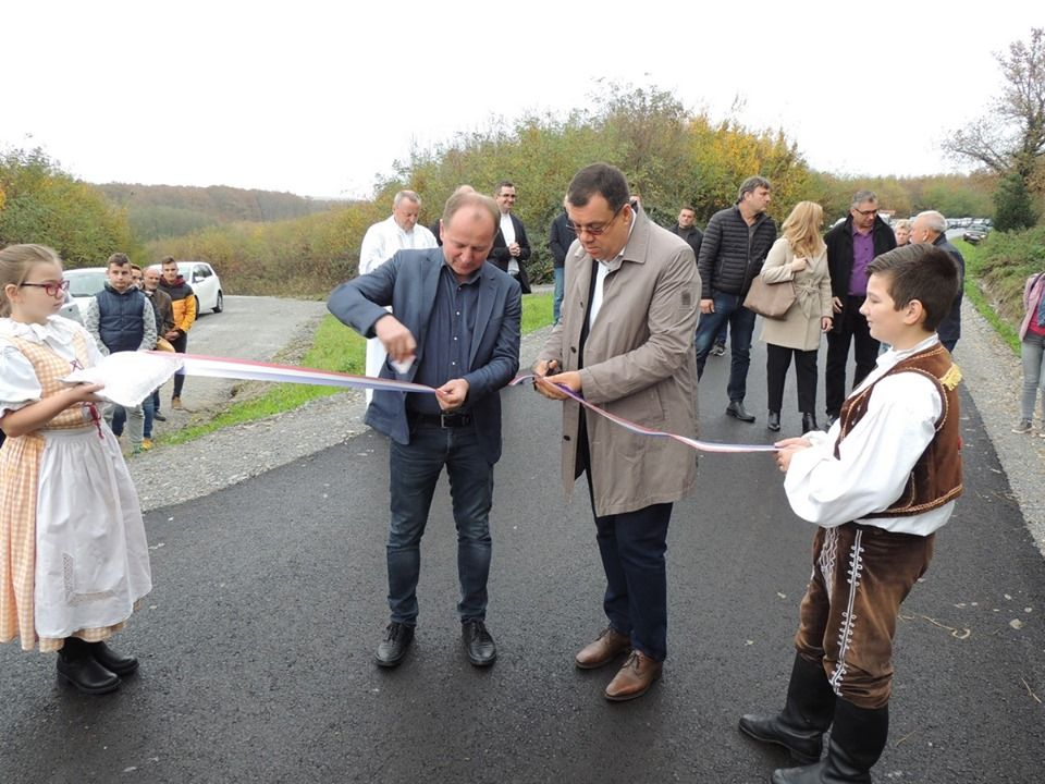 Župan Bajs obišao radove na prometnici u mjestu Samarica i otvorio novoasfaltiranu cestu Babinac – Gornja Petrička