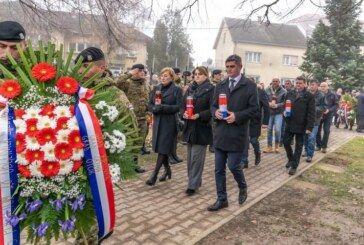Čazma: Obilježena 28. obljetnica pogibije branitelja u Komletincima