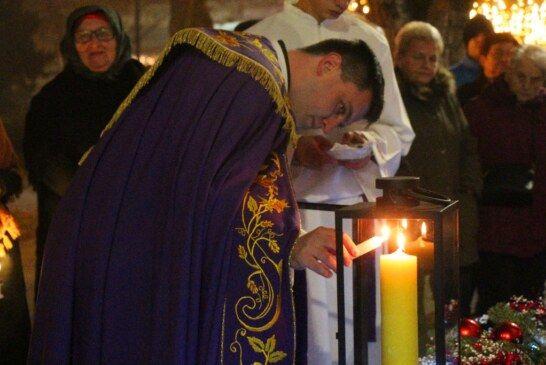 FOTO Upaljena druga adventska svijeća u Bjelovaru