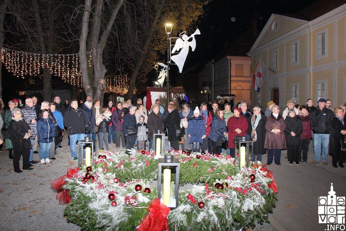 2019_bjelovarinfo_bjelovar-advent-vatromet_52