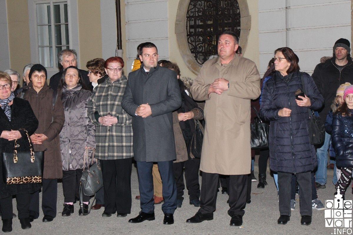 2019_bjelovarinfo_bjelovar-advent-vatromet_60