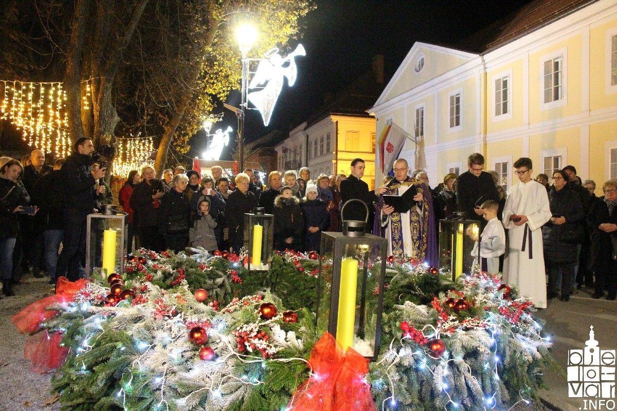 2019_bjelovarinfo_bjelovar-advent-vatromet_70