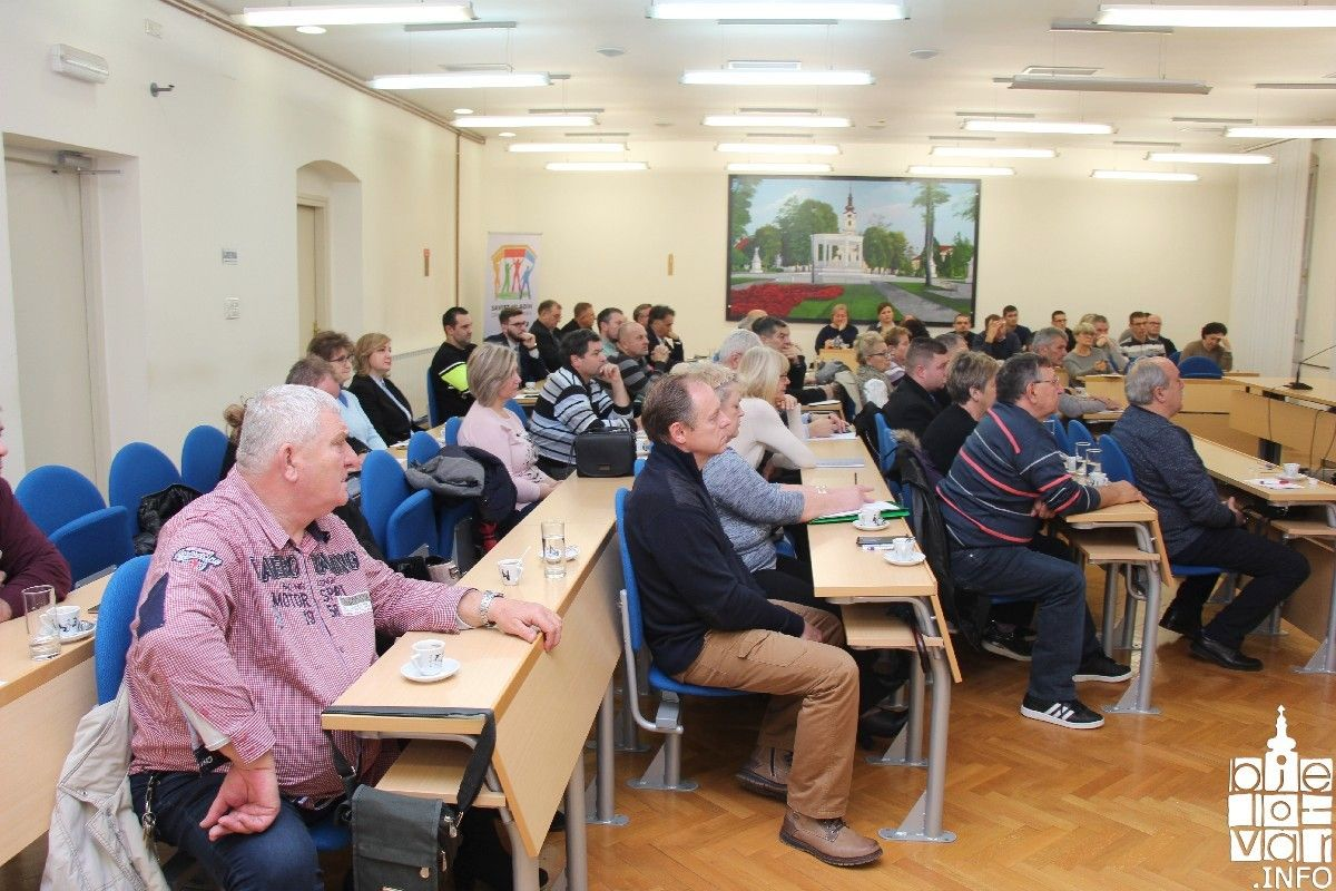 Sastanak s predsjednicima mjesnih odbora UOČI donošenja Gradskog proračuna: Gradu je važan ravnomjerni razvoj Bjelovara