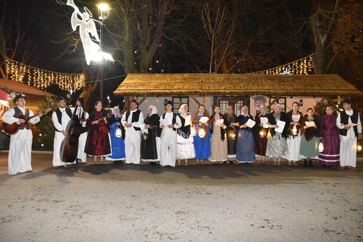 2019_bjelovarinfo_treća-svijeća_14_12_2019_4