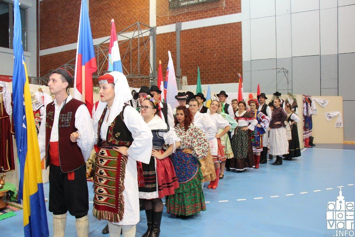 2019_bjelovarinfo_vecer_nac_manjina_344