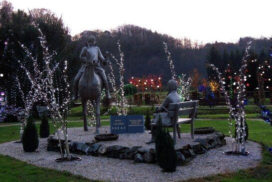 Božićnu bajku u Grabovnici krasi pet milijuna lampica: Unatoč tome na otvorenju je bilo deset ljudi