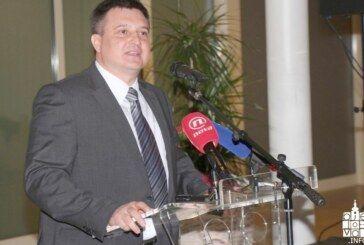 Ubrzo je stiglo otvoreno pismo saborskog zastupnika Mire Totgergelija: Žao mi je što na ovaj način maltretirate javnost