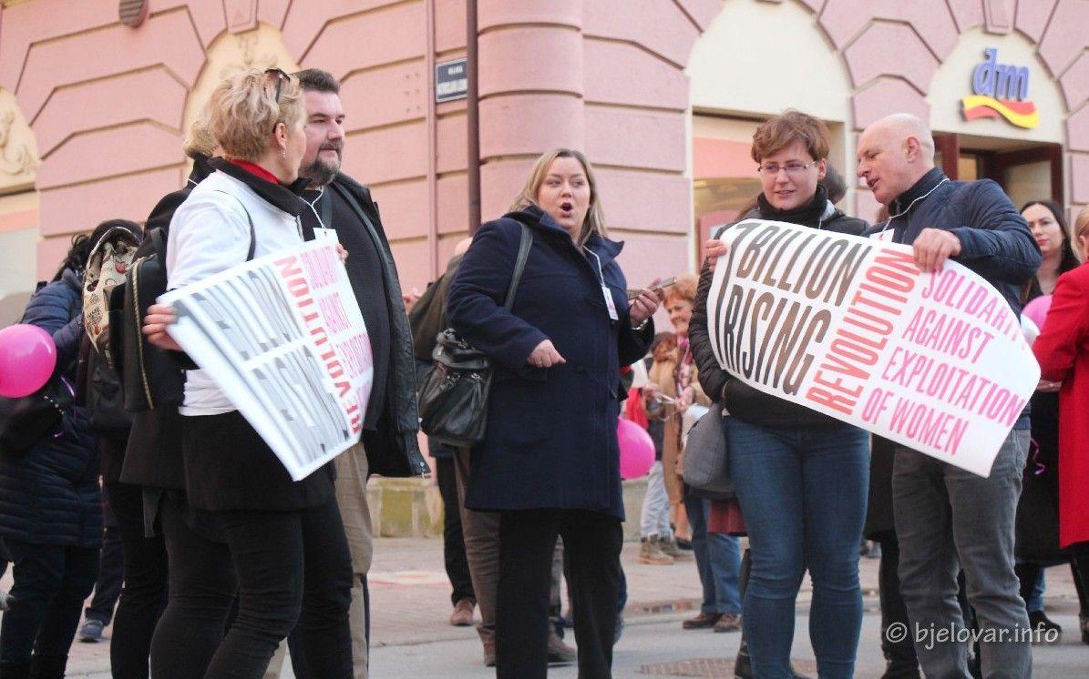 (FOTO) MILIJARDA USTAJE U BJELOVARU: Bjelovarčanke i Bjelovarčani protiv nasilja
