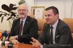 Gradonačelnik Hrebak ugostio izraelskog veleposlanika Ilana Mora: Teme su bile Dom kulture i suradnja Izraela i Grada Bjelovara