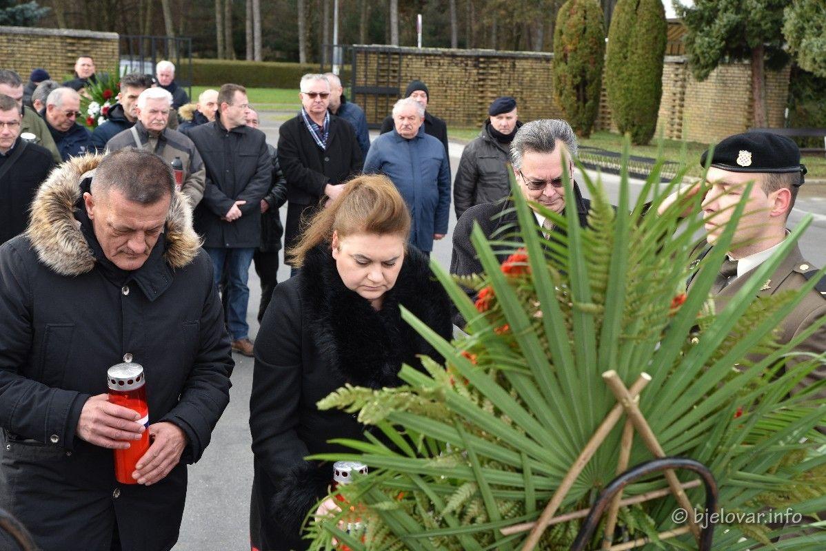 Bjelovar: Obilježena 28. obljetnica ukopa hrvatskih branitelja poginulih u Kusonjama - bjelovar.info