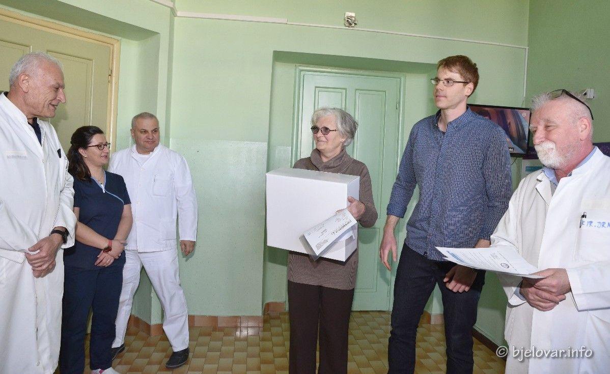 Još jedna u nizu donacija: Mobilni aparat za aspiraciju Lige protiv raka uručen Općoj bolnici Bjelovar