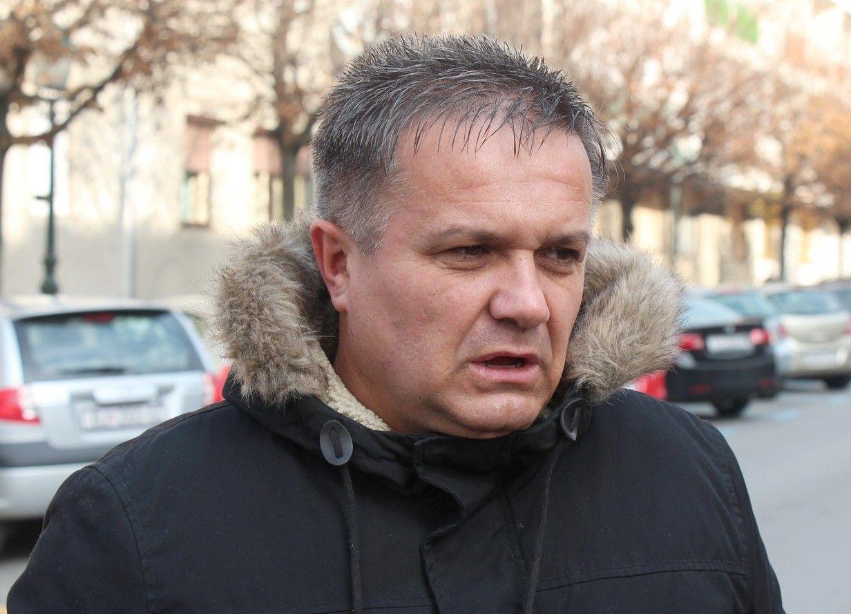 Mato Mlinarić ispred bjelovarske tržnice: Zašto strani trgovački lanci rade, a seljačke gradske tržnice ne?