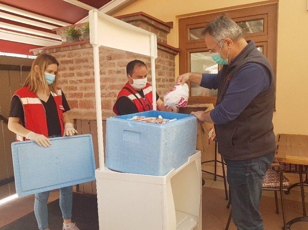 FOTO Bjelovarski obrtnici - ugostitelji pokrenuli HUMANITARNU AKCIJU - Spremaju obroke za potrebite